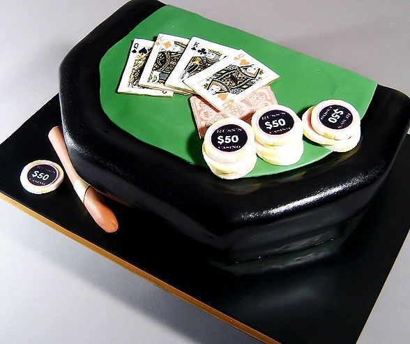grooms-cake-poker-table